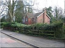 SU6351 : House & Hedge by Sandy B