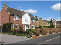 SU6350 : A fine detached house - Neville Close by Given Up
