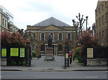 TQ3282 : Wesley's chapel in City Road by ceridwen