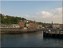 NS0964 : Entrance to Rothesay harbour by wfmillar
