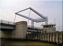 TG5108 : Breydon Bridge by Pierre Terre