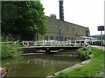 SE1039 : Swingbridge No. 201 - Three Rise Locks by Betty Longbottom