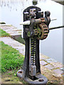 SO8660 : Winding gear at Droitwich Barge Canal Lock 7 by P L Chadwick