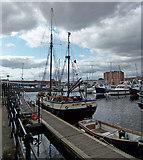TA0928 : Hull Marina by David Wright