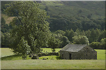 NY2000 : Barn near Wha House, Eskdale by Tom Richardson