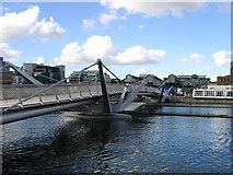 O1634 : Sean O'Casey Bridge, Dublin by John Gibson