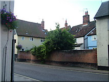TM3863 : Houses in the centre of Saxmundham by John Goldsmith