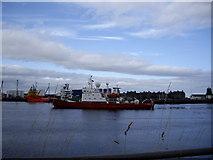 NJ9505 : mv Geo Prospector entering Aberdeen Harbour by Stanley Howe