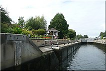 TQ0566 : Chertsey Lock by Graham Horn