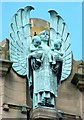 NS4863 : Statue on top of the Russell Institute by Lairich Rig