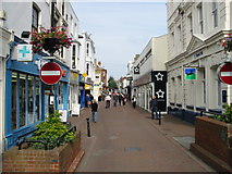 TR3752 : The southern end of the High Street by Nick Smith