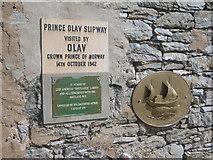 HU4039 : Shetland Bus plaque, Scalloway by Nick Mutton