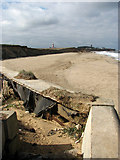 TG3930 : View from the end of the sea wall by Evelyn Simak
