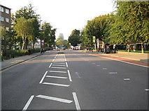 TQ3283 : Hoxton: A1200 New North Road by Nigel Cox