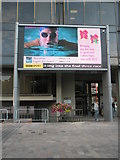 SU6400 : Gigantic TV in Guildhall Square by Basher Eyre